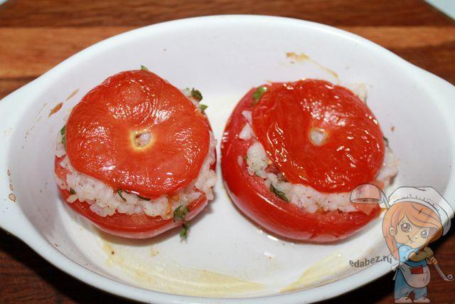 Запеченные томаты с рисом