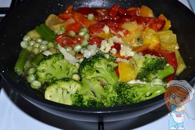 Тушим овощи до приготовления