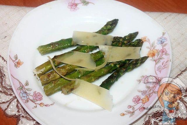 Спаржа на гриле - рецепт с фото
