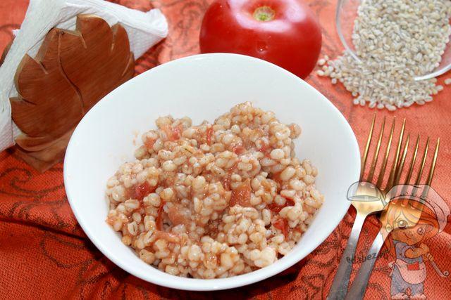 Перловка с томатами: как приготовить вкусно