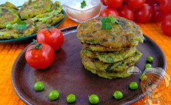 Зеленые оладьи с зеленым луком - рецепт с фото