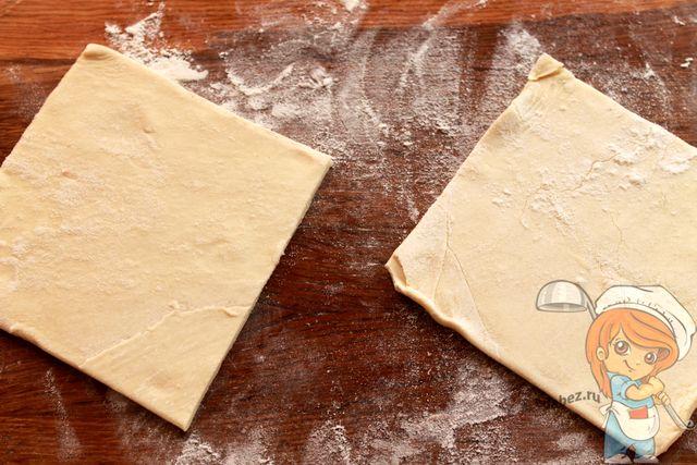 Разрезаем тесто на части