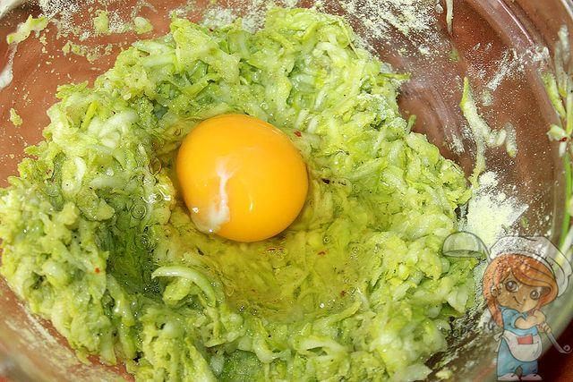 Вбиваем яйцо