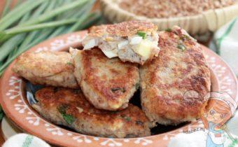 Гречневые зразы с яйцом - рецепт с фото