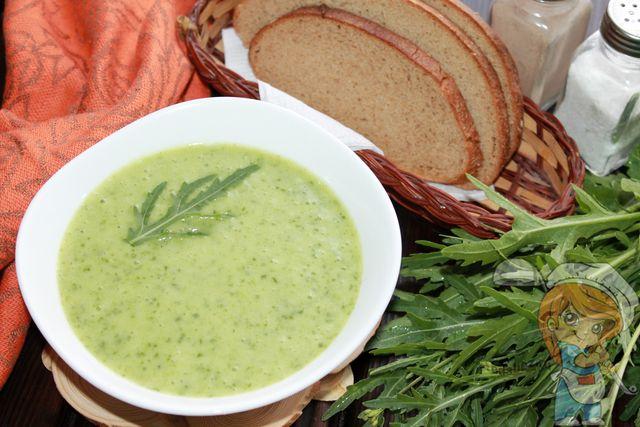 крем суп с рукколой