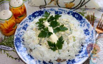 Слоеный салат Березка с грибами