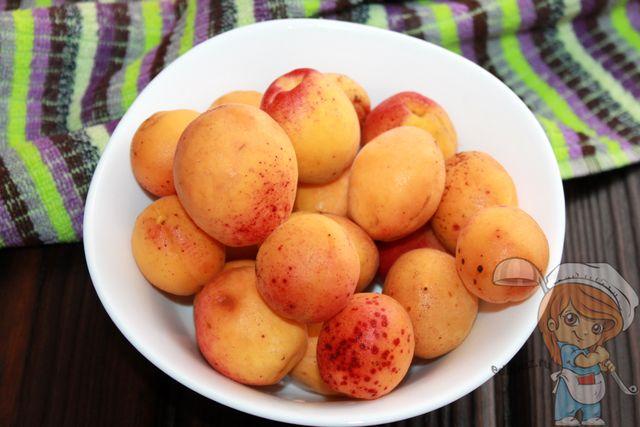 Моем абрикосы