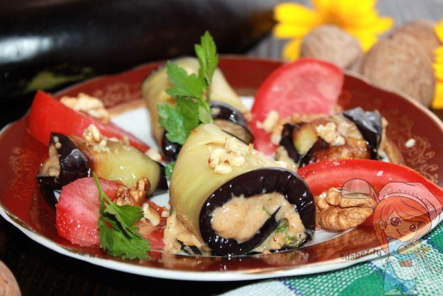 Грузинская кухня: рецепт рулетиков из баклажанов