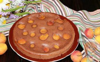 Пирог с абрикосами на кефире - простой вкусный рецепт
