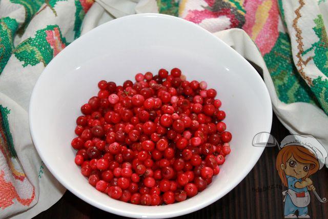 Моем ягоду