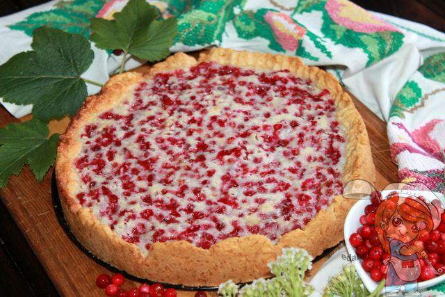 Пирог с брусникой и сметаной, рецепт с фото