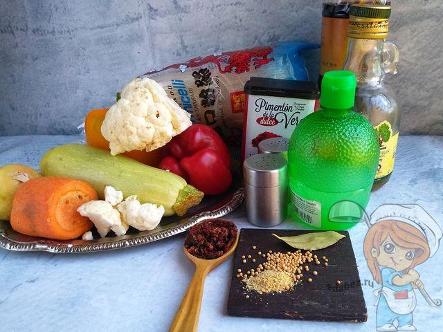 Продукты для приготовления фунчозы с овощами