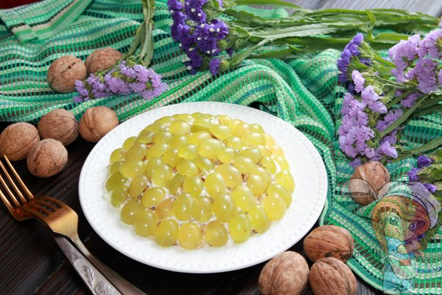 Тиффани с виноградом, рецепт с фото