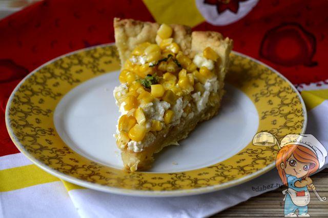 Пирог с сыром Фета и кукурузой