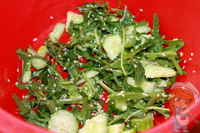 Перемешиваем пп салат
