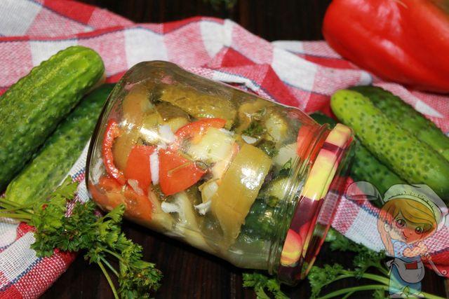 Как приготовить салат из огурцов и перца на зиму