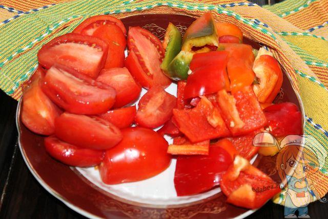 Режем овощи крупными кусками