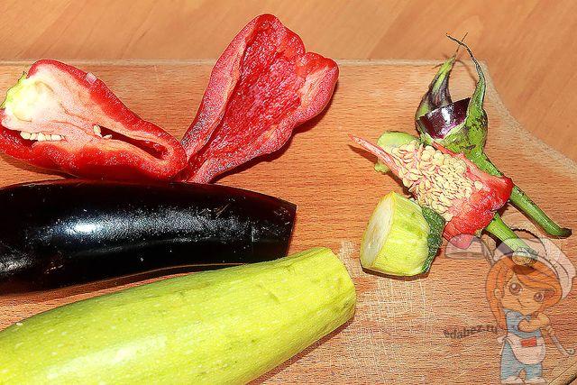 Моем и очищаем овощи