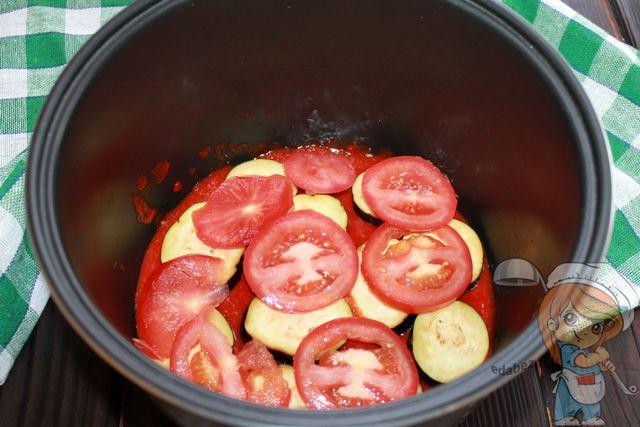 Второй слой помидоров