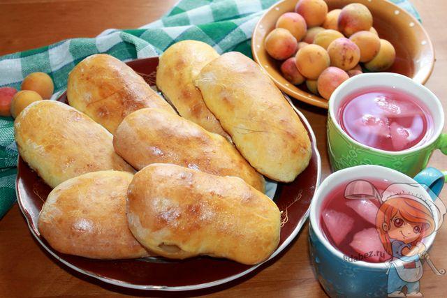 Пирожки с абрикосами в духовке, рецепт с фото