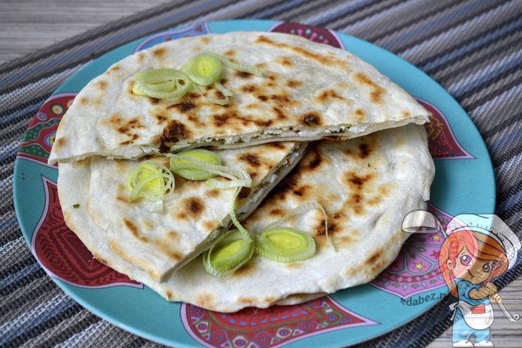 Паратха с сыром, рецепт индийских лепешек