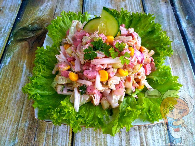 Вегетарианский крабовый салат без крабовых палочек