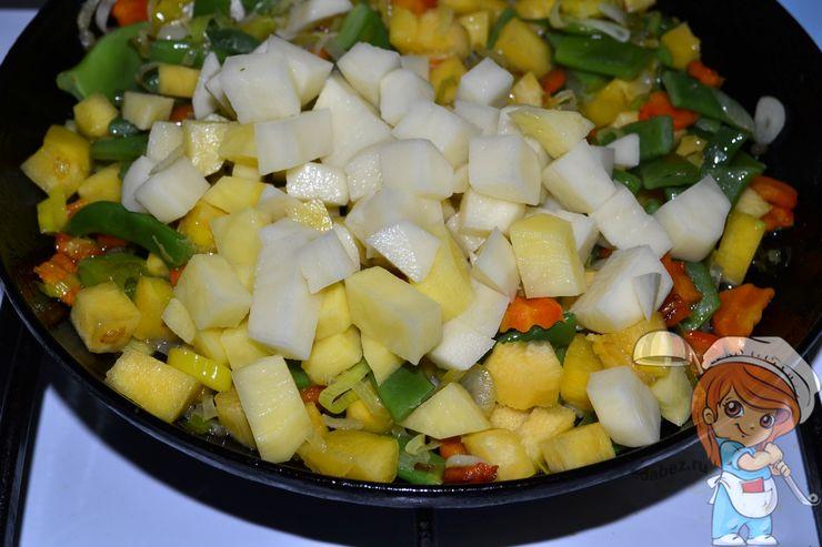 Кладем картошку
