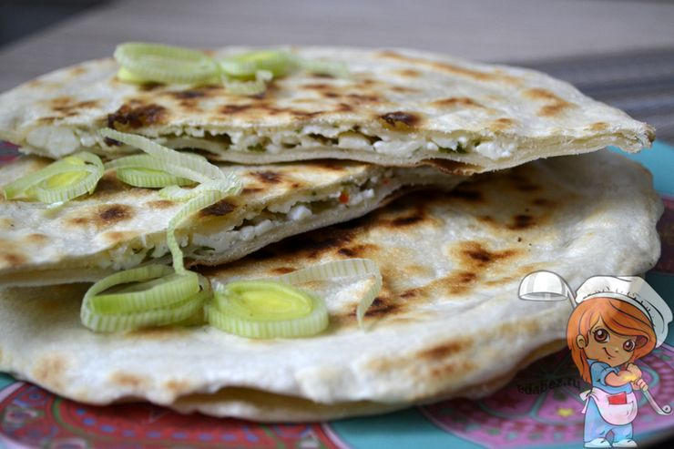 Паратха с сыром - индийская лепешка