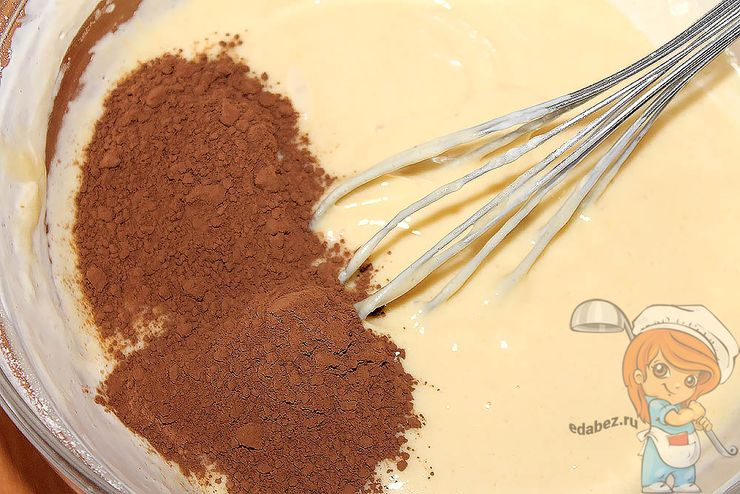 Соединяем тесто с какао