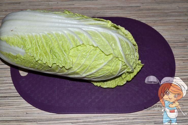 Моем пекинскую капусту