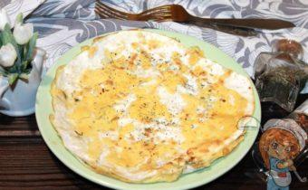 Омлет в лаваше с сыром, рецепт с фото