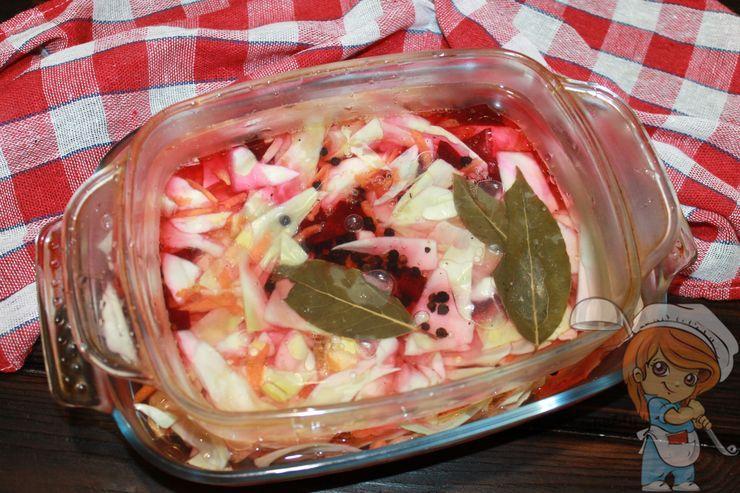 Ставим салат под гнет
