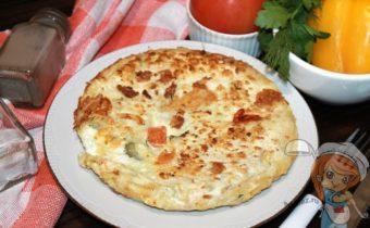 Ленивый лаваш с сыром и яйцами на сковороде