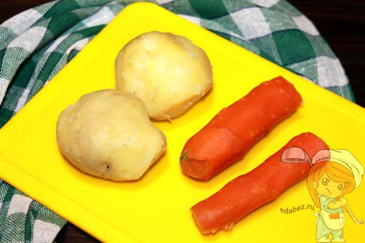 Чистим картофель и морковь