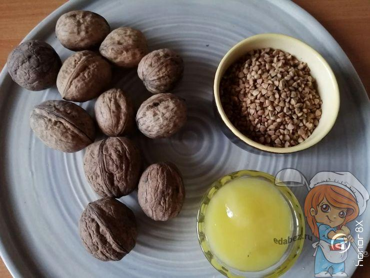 Ингредиенты для гречки с медом и орехами