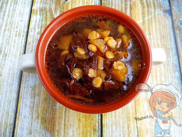 Гороховый суп с сушенными грибами