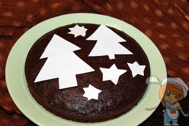 Накладываем шаблоны на пирог