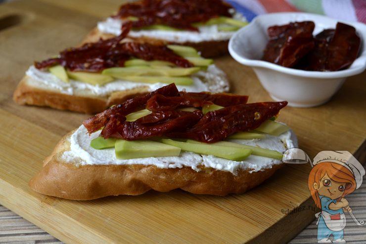 Брускетта с вялеными помидорами, рецепт с фото
