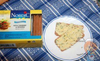 Яичный паштет на хлебцах