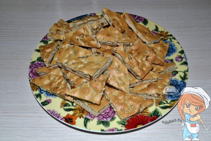 Печенье мазурки с орехами и изюмом