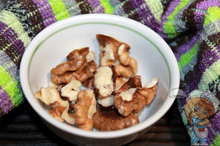 Чистим орехи