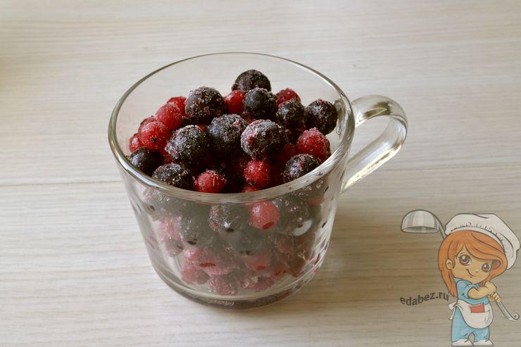 Даем ягодам оттаять