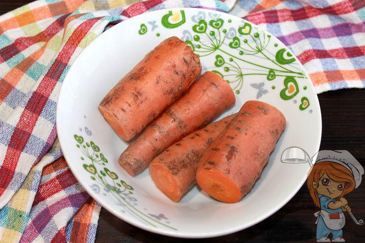 Отвариваем морковь