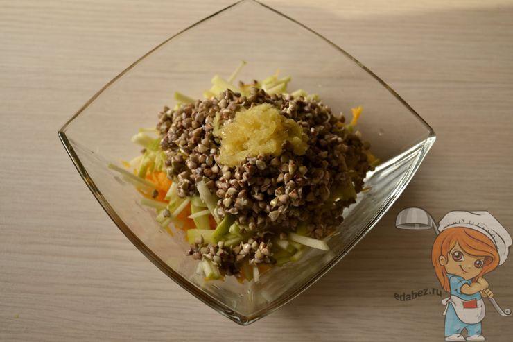 Салат с пророщенной гречкой, рецепт с фото