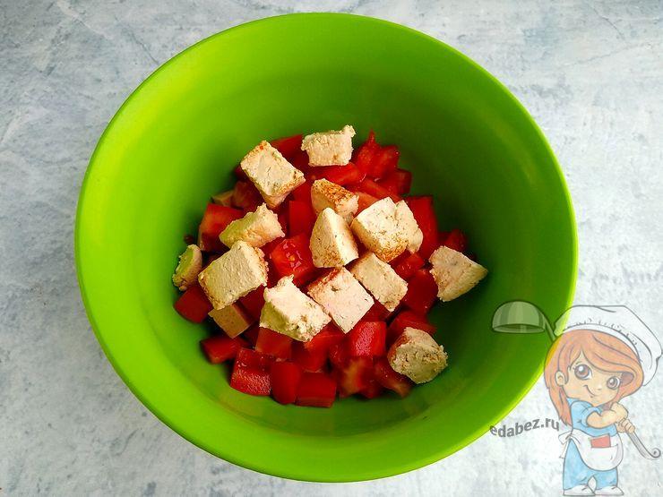 Режем сыр тофу