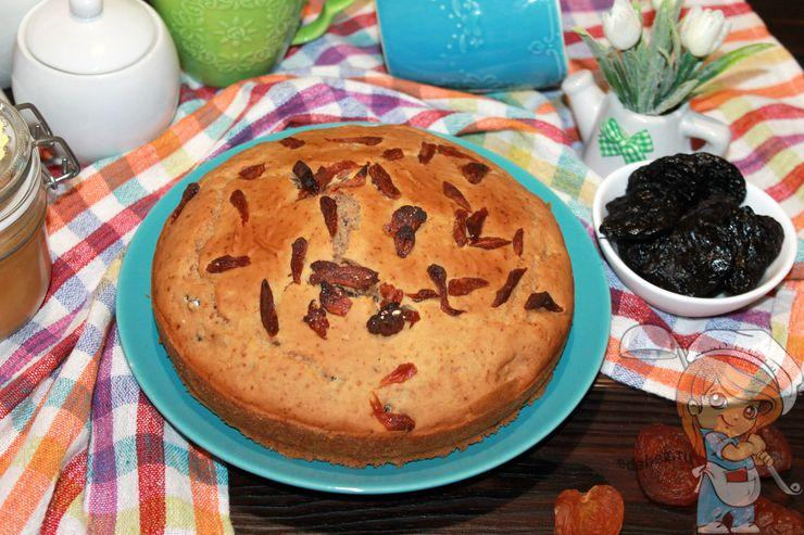 Пирог с курагой и черносливом - рецепт в духовке