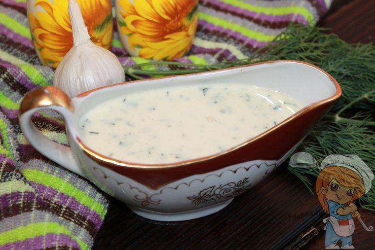 Простой домашний соус для салата цезарь