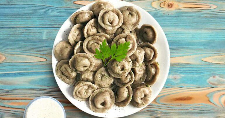Пельмени с белыми грибами
