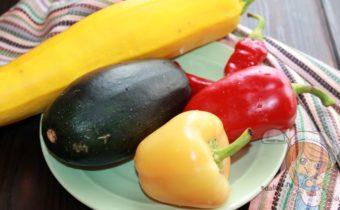 Кабачки с овощами