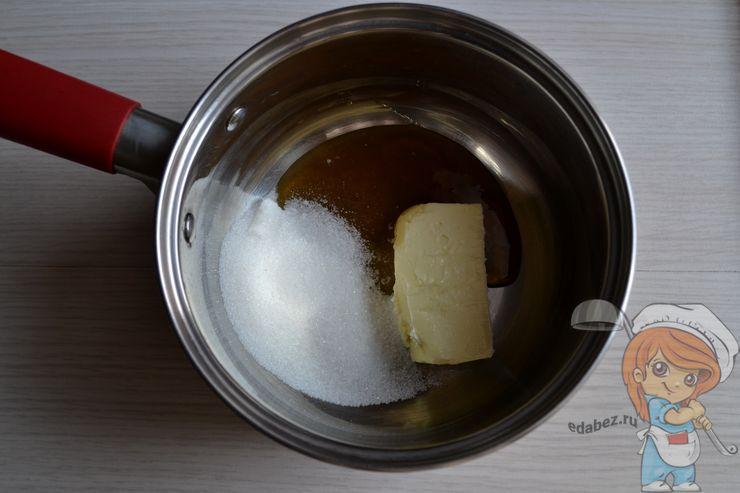 Сливочное масло, сахар и мед